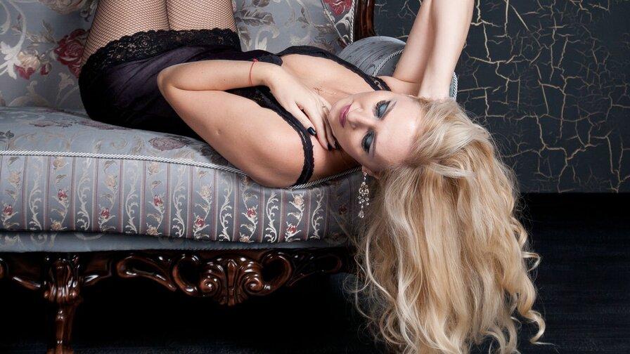 LeylaHotKitty