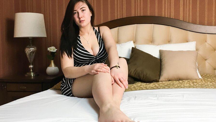 JeniferAdams